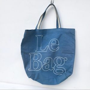 VINTAGE Le Bag Bahamas beach tote Bag magazine
